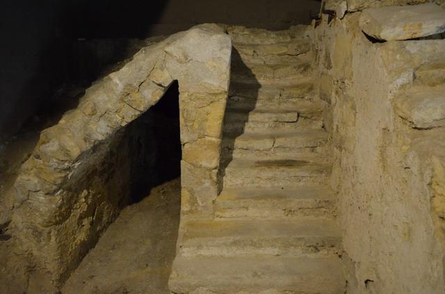 Париж.Археологическая крипта