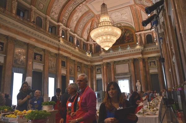 Генуя. Внутри Дворца Дожей