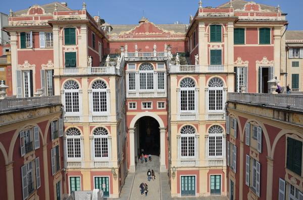 Генуя. Королевский дворец