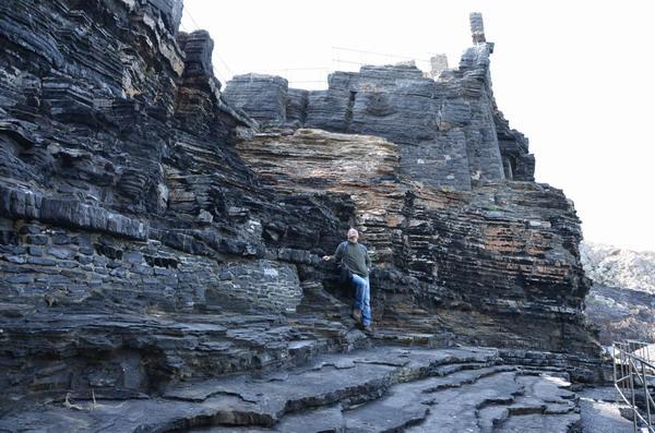 Портовенере, скалы на берегу