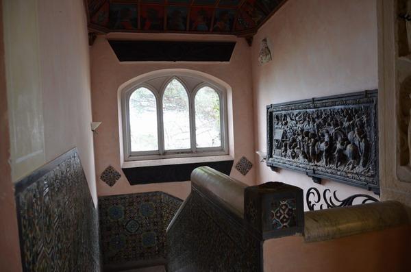 Внутри замка Браун в Портофино
