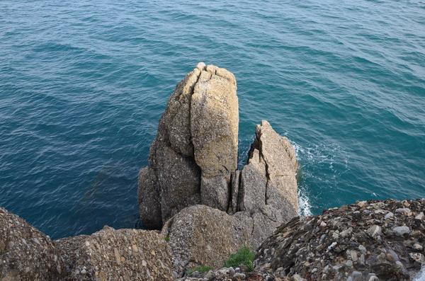 Скала под маяком Портофино