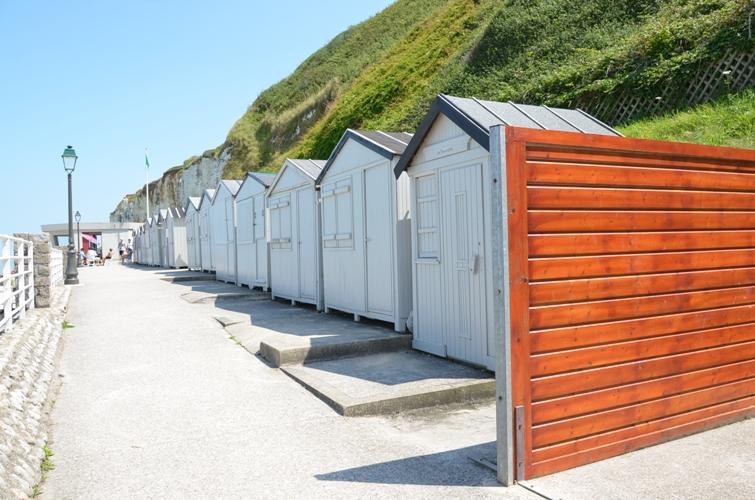 Кабинки для переодевания на пляжах Нормандии