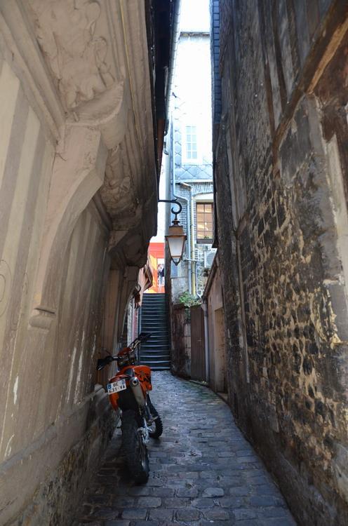 Онфлер улицы