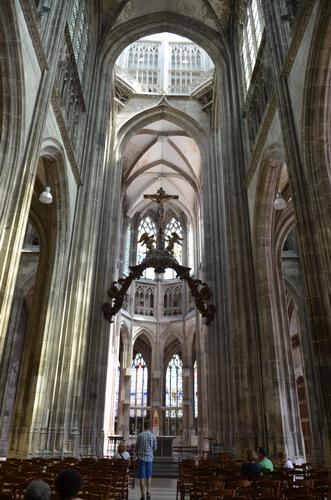 Церковь Сен-Маклу, центральный неф