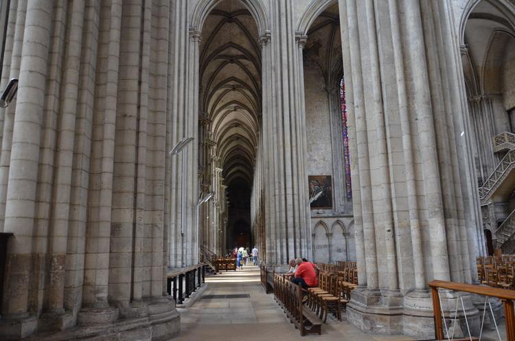 Руанский собор внутри