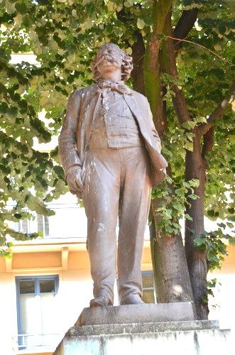 Памятник Флоберу в Руане