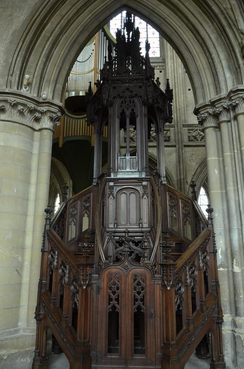 Кан церковь Сен-Пьер  кафедра