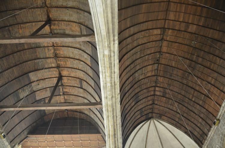 Церковь Нотр-Дам в Кане внутри