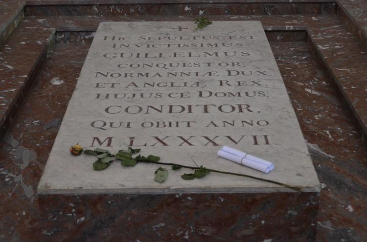 Захоронение Вильгельма Завоевателя, надгробная плита