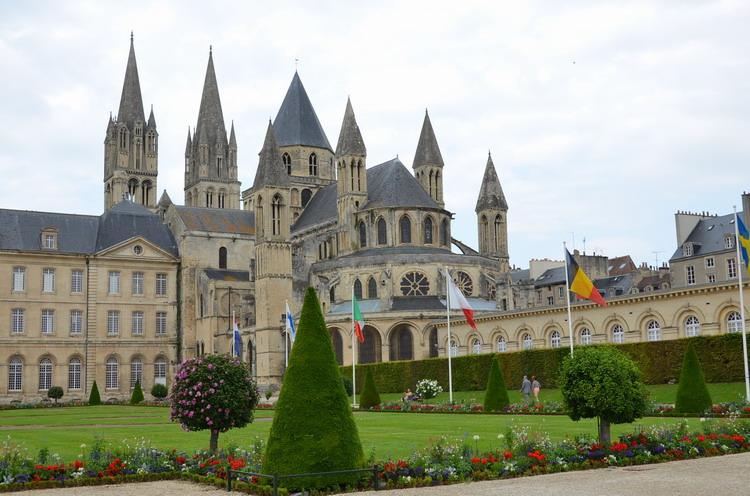Кан, мужское аббатство Сент-Этьенн (Святого Стефана)