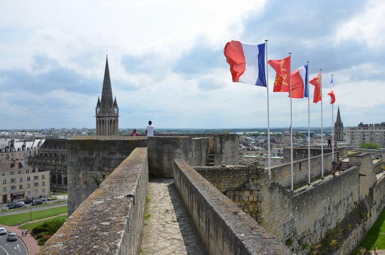 стены Канского замка
