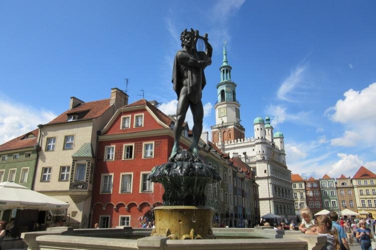 Познань Старый рынок, фонтан и ратуша