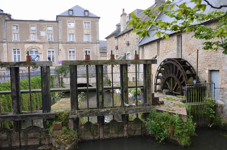 байе мельницы на реке орн