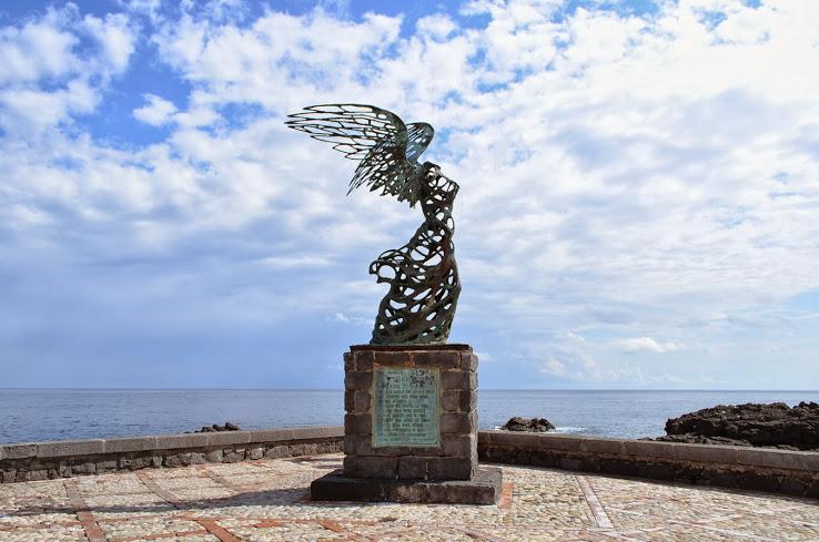 Памятник первооткрывателям Сицилии