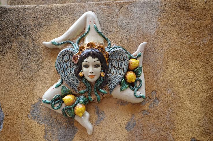 трискелион, символ Сицилии