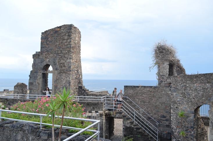 Норманнский замок на побережье Циклопов