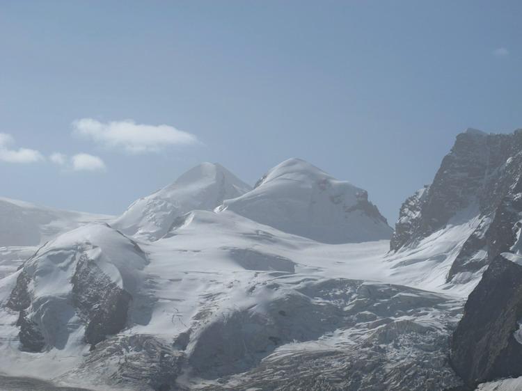 Горы Кастор и Полукс