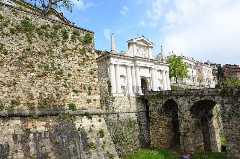 Бергамо, Порта Сан-Джакомо