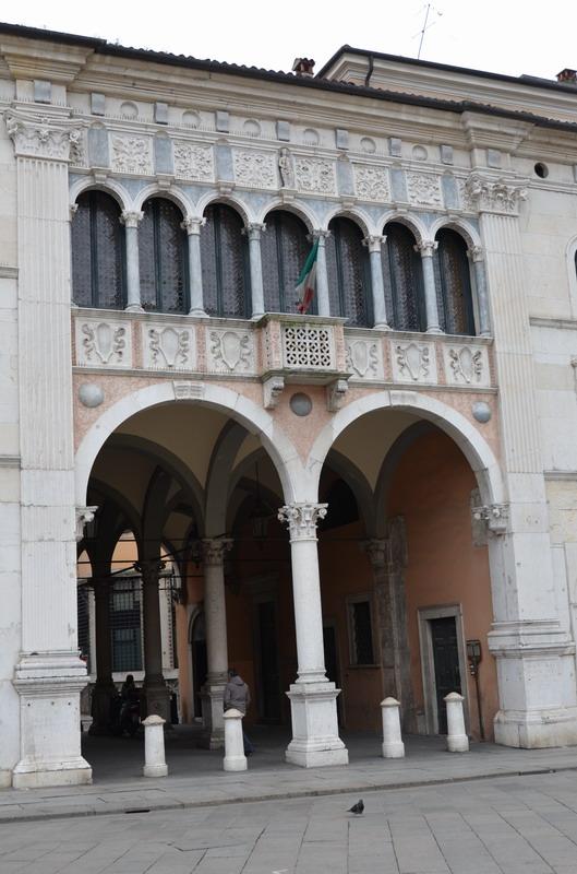 Брешиа, палаццо Лоджиа