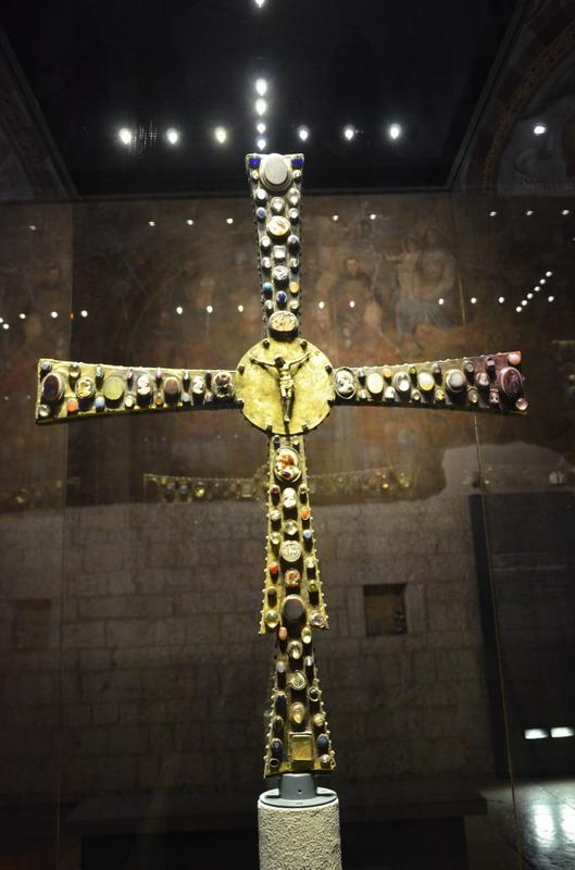 церковь Санта Мария ин Соларио, Крест Дезидерия, Брешиа