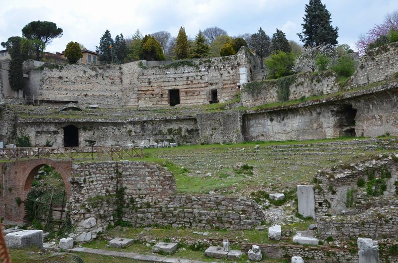 Брешиа, руины римского театра