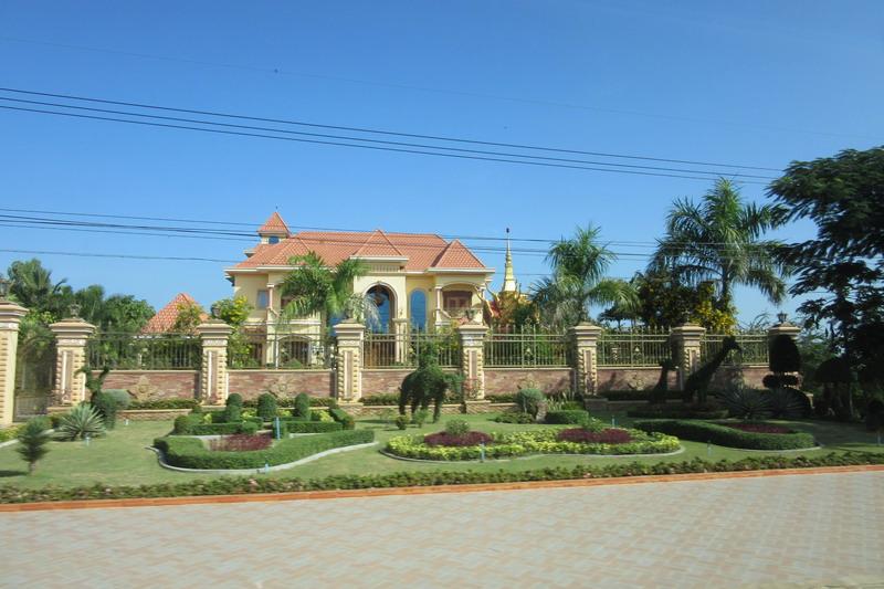 Камбоджа, дом мэра