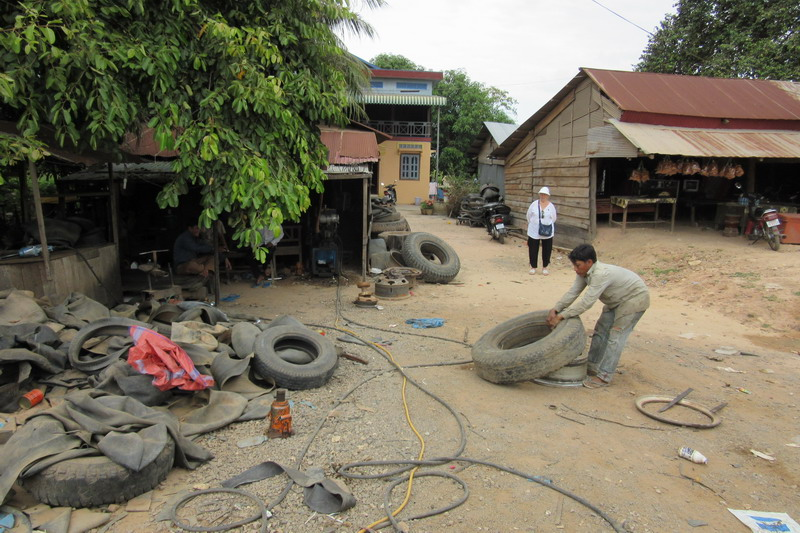 камбоджийский шиномонтаж