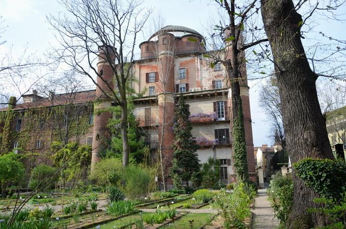 Милан. Пинакотека Брера, ботанический сад