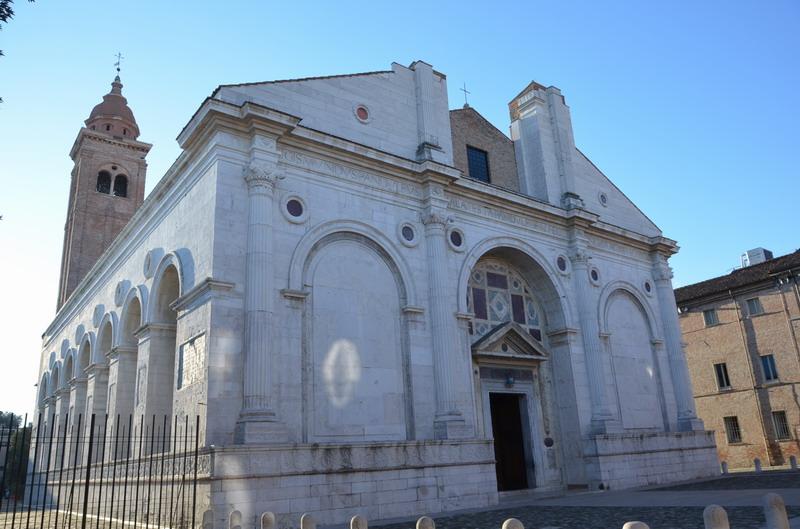 Храм Малатесты в Римини