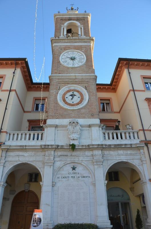 Римини, башня с часами