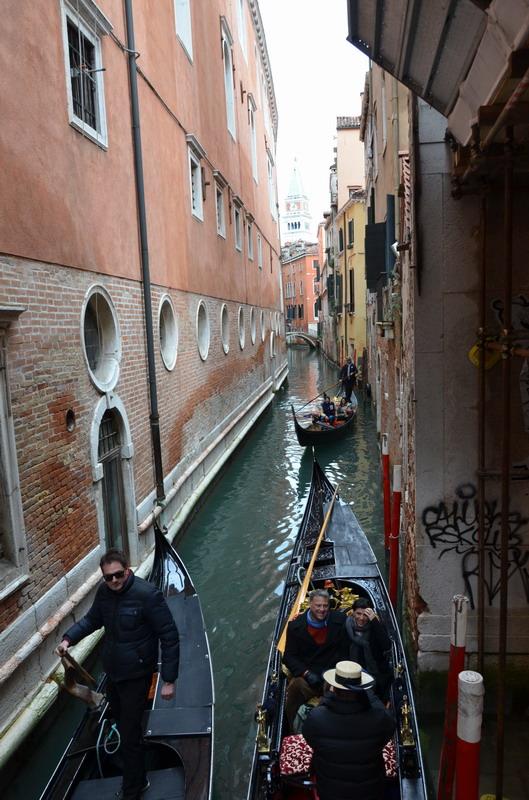 Венеция, каналы и гондолы