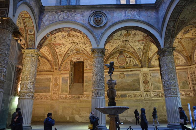 Палаццо Веккьо, внутренний дворик