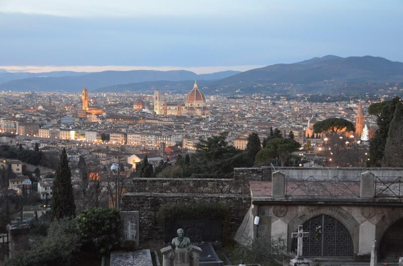 Вид на Флоренцию от церкви Сан-Миниато