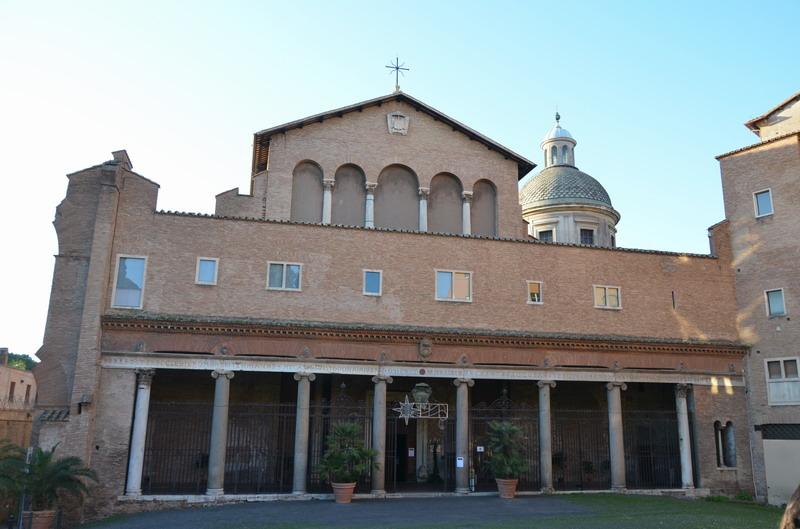 Церковь Санти-Джованни-э-Паоло на Целийском холме