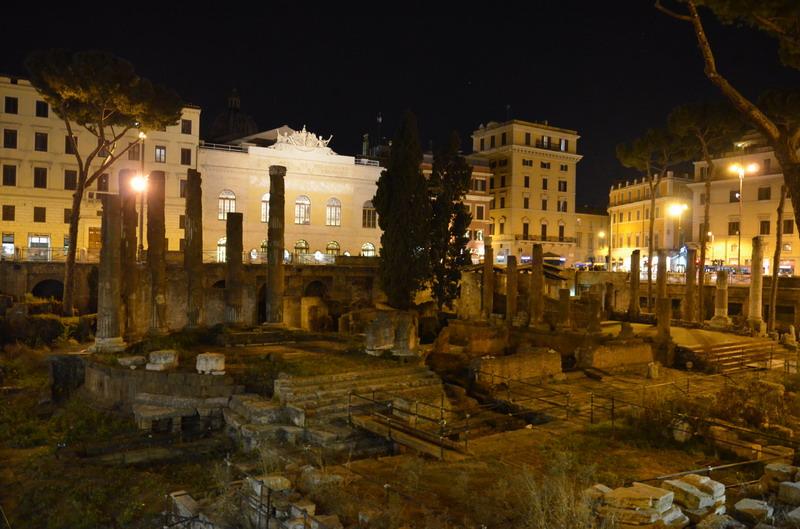 Рим, археологическая зона на Ларго Аржентина