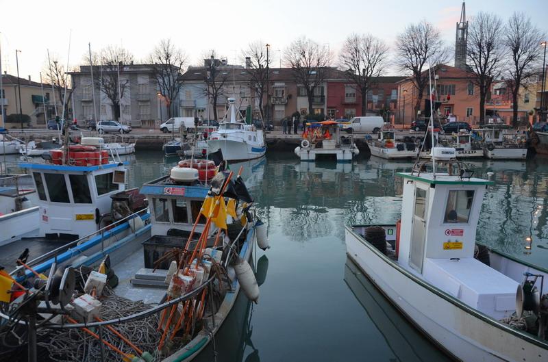 Римини канал, яхты