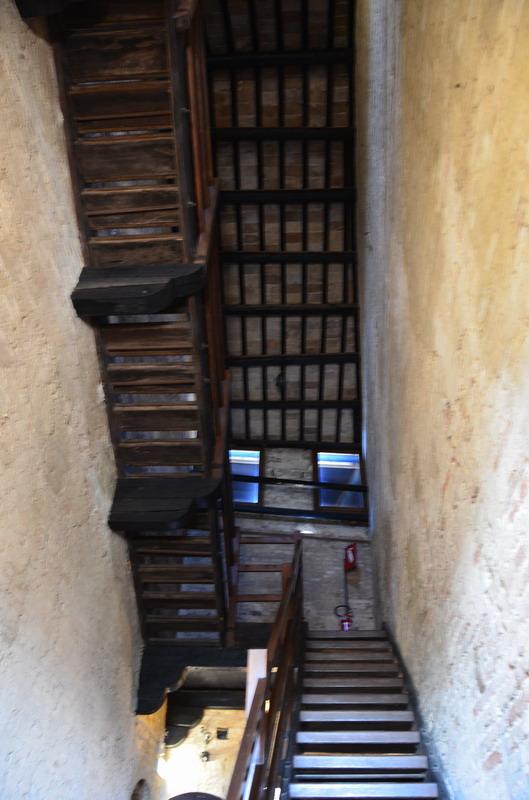 Градара, лестница