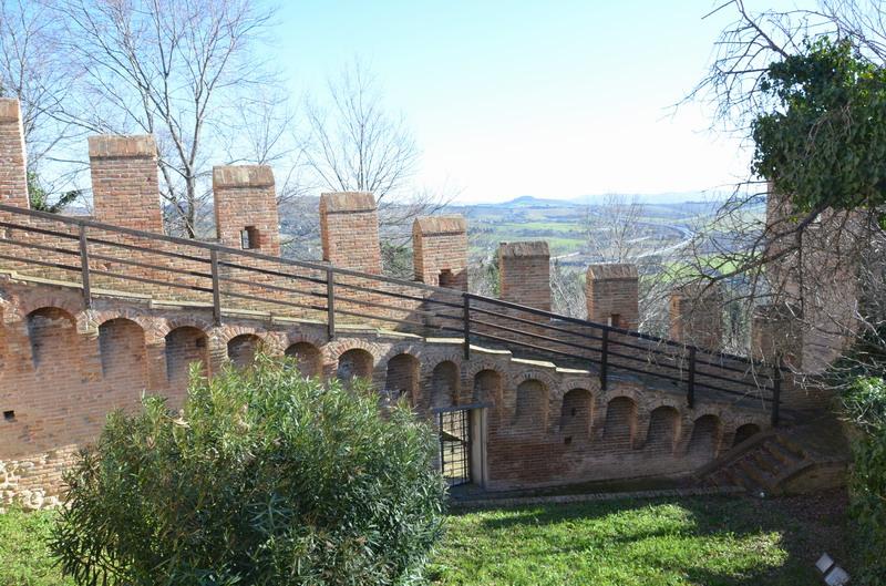 Градара, крепостная стена