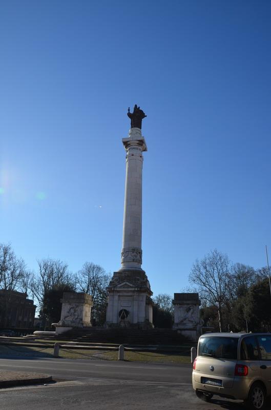 Форли, памятник павшим во всех войнах