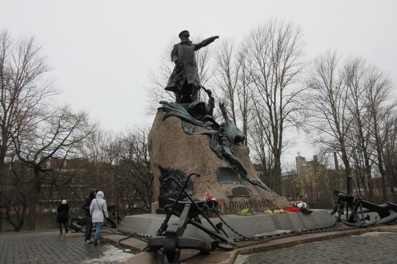 Кронштадт памятник Макарову