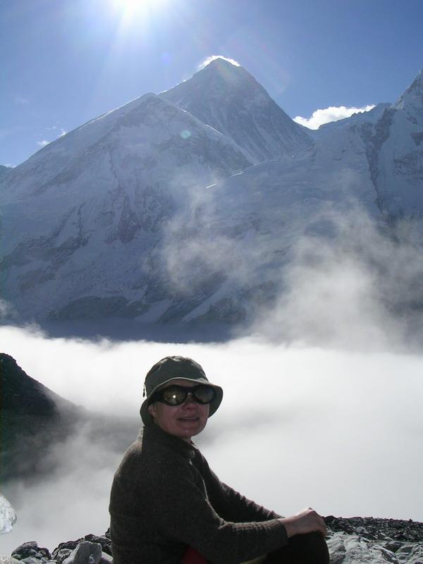 На фоне Эвереста