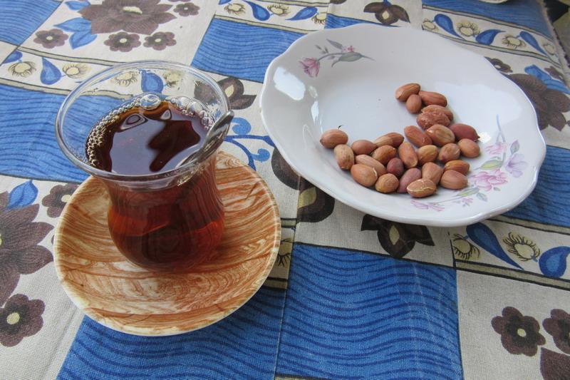 Чай и арахис