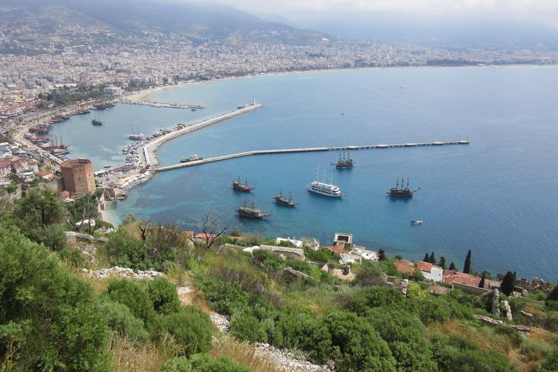 Вид на порт и Аланью