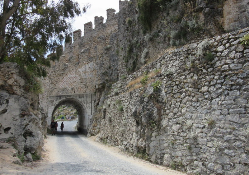 Аланья крепостные ворота