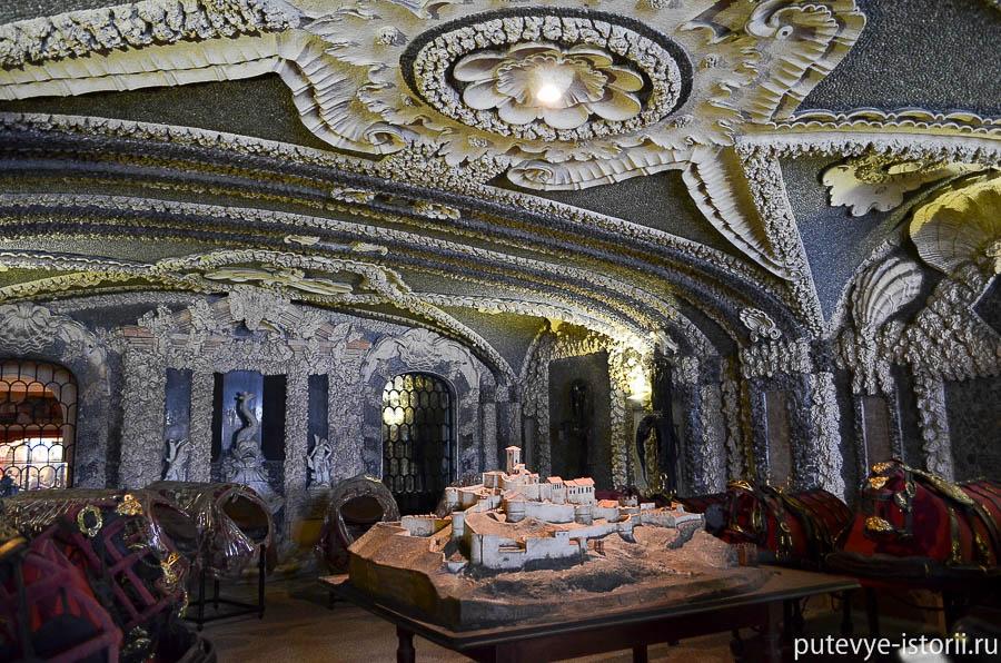 Дворец Борромео гроты