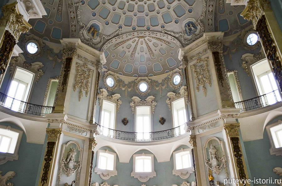Дворец Борромео, салон Гранде