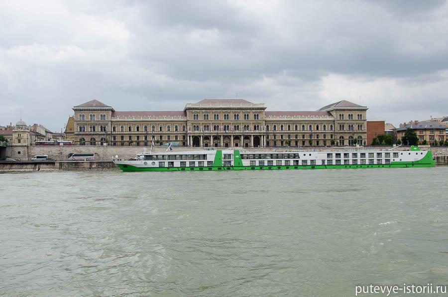 Будапешт университет