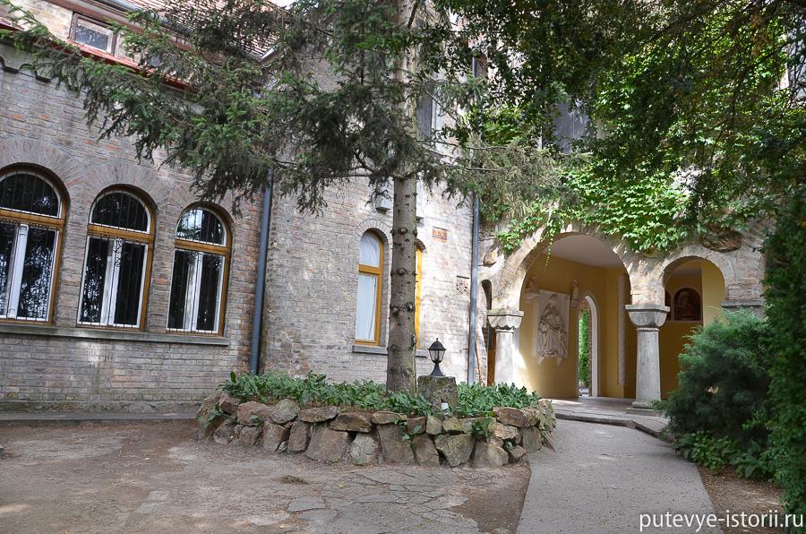 Замок Йено Бори в Секешфехервар