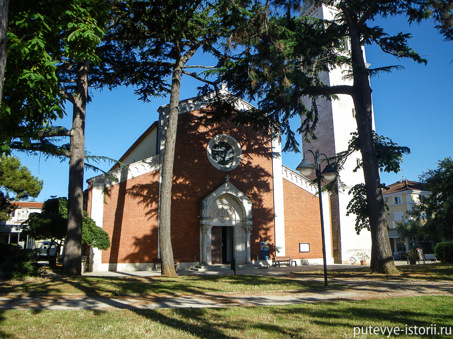 Новиград церковь Пелагея и Максима